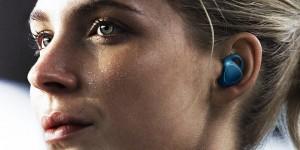 Samsung lancia Gear IconX: auricolari wireless con sensori per lo sport
