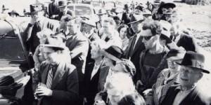 Viaggiatore nel tempo catturato in foto d'epoca?