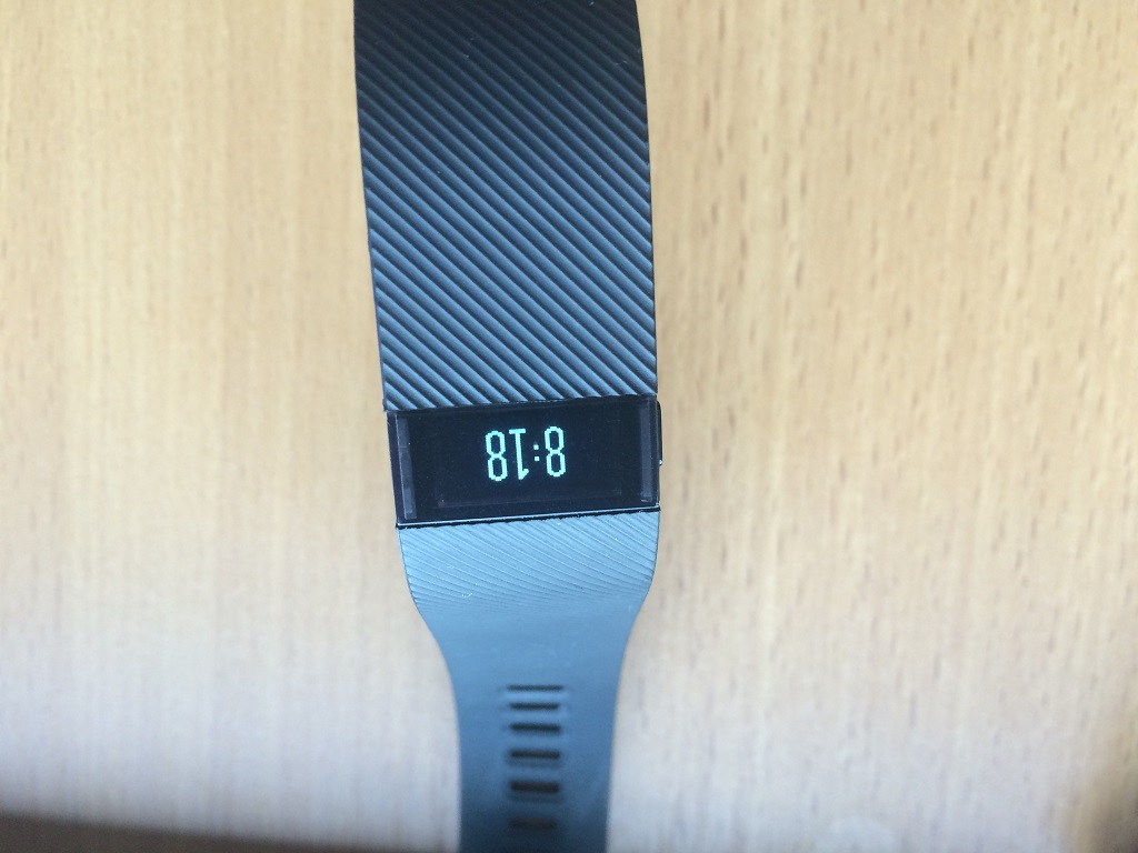 fitbit-charge-orario-oled