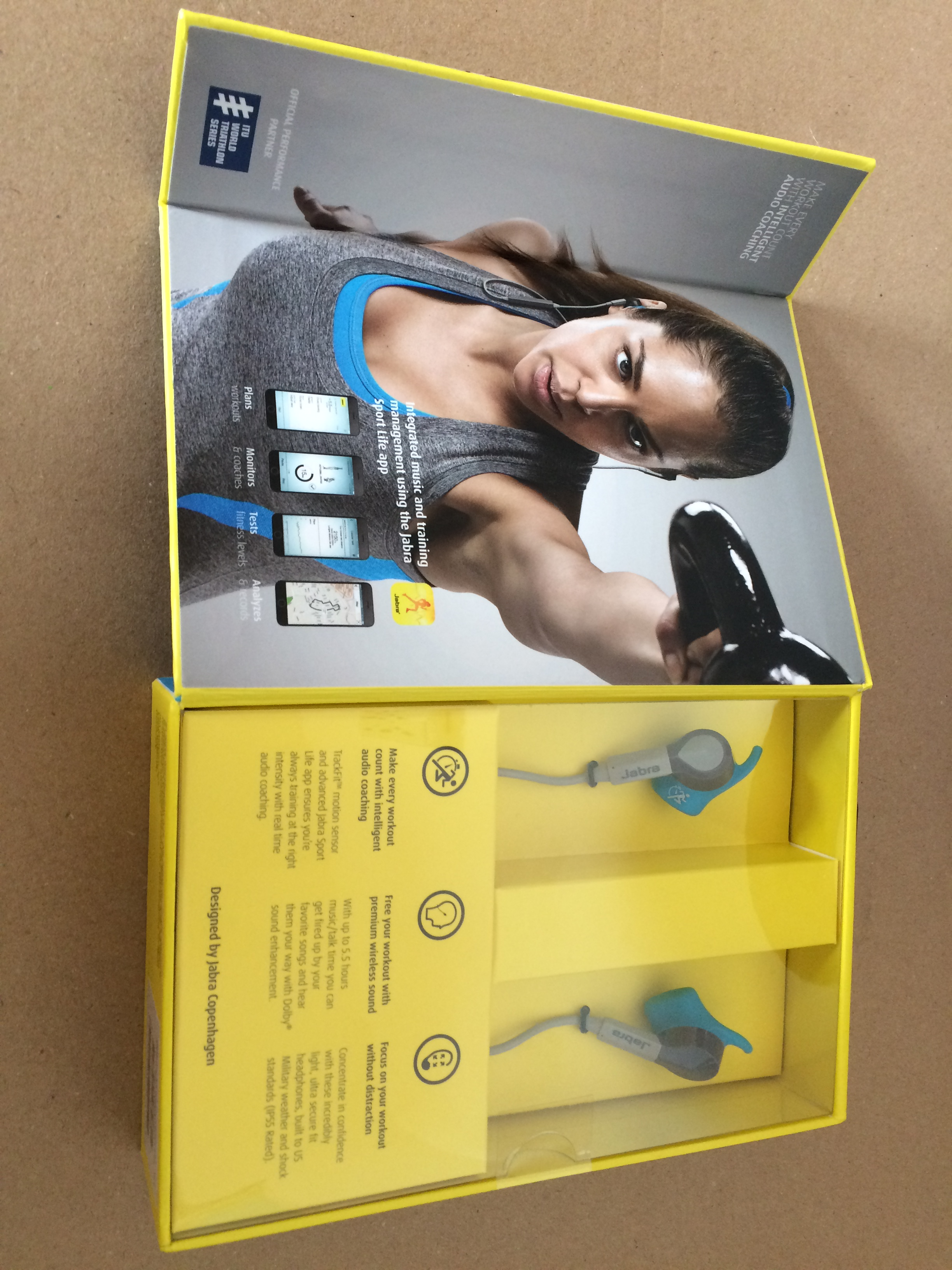 jabra-sport-coach-box-open
